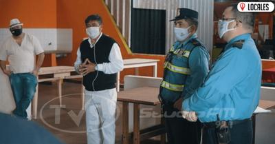 POLICÍA SANITARIA CONTROLA CUMPLIMIENTO DE MEDIDAS EN LA FERIA MUNICIPAL