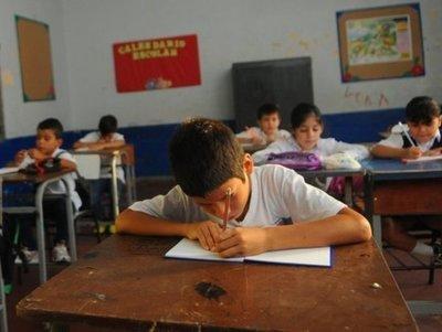 Educación en Paraguay: 8 de cada 10 estudiantes no llegan al mínimo esperado en nivel de desempeño