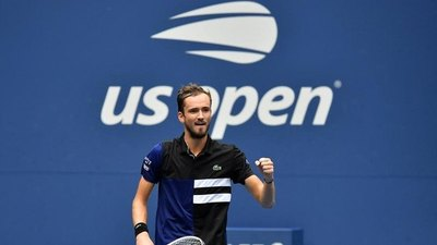Medvedev accede a semifinales del US Open al derrotar a Rublev