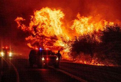 Incendios sin precedentes arrasan la costa oeste de EEUU