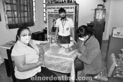 Gobernador Acevedo continúa cumpliendo con el cronograma de distribución de bolsas de alimentos en escuelas del departamento