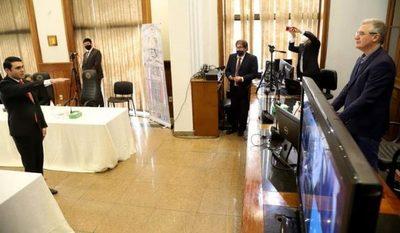 MEC blanquea título del diputado Rivas
