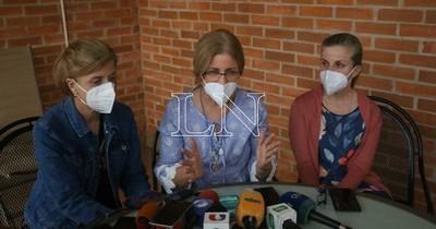 La Nación / Familiares de Óscar Denis piden no dejarle sin sus medicamentos