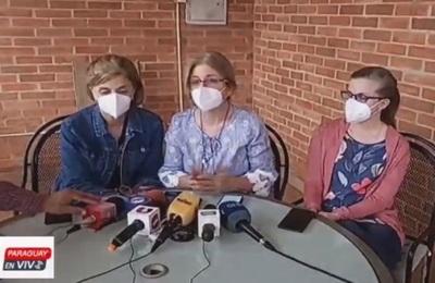 Hijas claman por la salud de Oscar Denis
