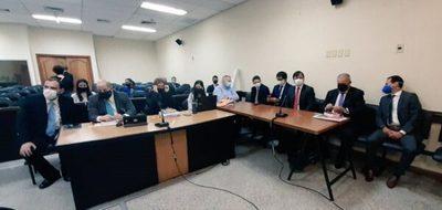 Postergan inicio de juicio oral de González Daher y otros