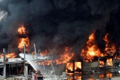 Nuevo incendio en almacén de neumáticos del puerto de Beirut