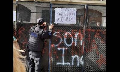 HOY / Paraguay insta a Argentina a proteger sedes consulares tras ataques