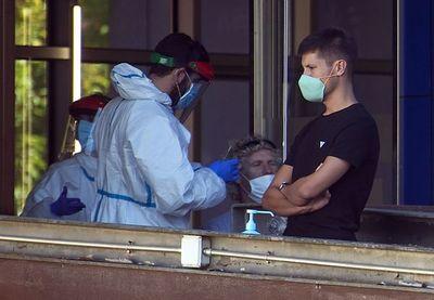 España registra 4.137 contagios en 24 horas y 249 muertos la última semana