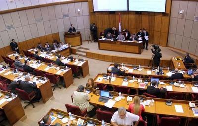 Senadores aprueban por unanimidad desafuero de Friedmann