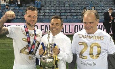 Marcelo Bielsa seguirá esta temporada en el Leeds United