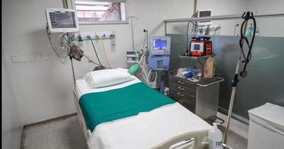 Sanatorios privados habilitarían más de 100 camas de UTI para el sector público