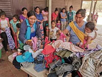 Entregan frazadas, ropas y víveres en comunidad Mistolar y Campo Ampu