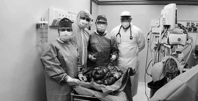 ¡Pensó que estaba embarazada y le sacaron un feroz tumor de 16 kilos!