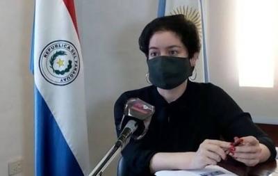HOY / Atacan Consulado Paraguayo en Resistencia en reclamo del fallecimientos de las niñas en Yby Yaú