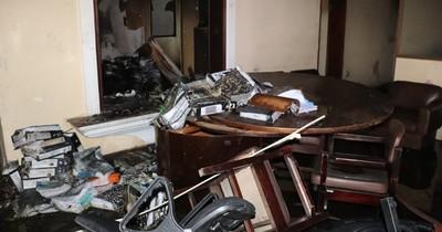 La Nación / Tras incendio en MUVH, afirman que documentos están digitalizados y no fueron afectados