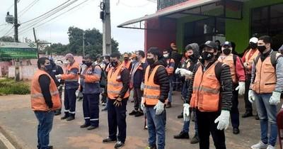 La Nación / Para evitar que el dengue se sume al COVID-19, reactivan mingas ambientales en Central