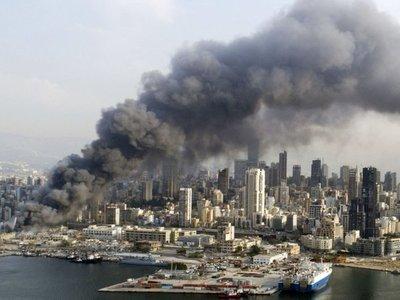 Un gran incendio sacude  Beirut, a un mes de explosiones