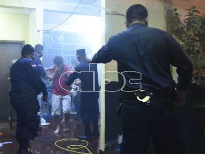 Tensión con reos en comisaría de San Antonio obligó a intervención policial