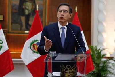 Moción de censura contra el presidente de Perú por supuesta corrupción
