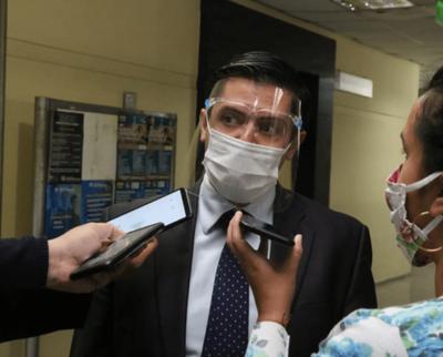 Abogado de Alegre admite que su cliente violará la ley por motivación política