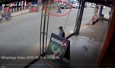 Roban moto en pleno día