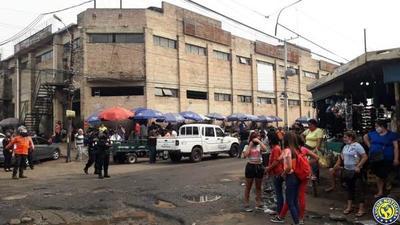 """Nuevo """"desalojo"""" en zona del Mercado N° 1 de Luque •"""