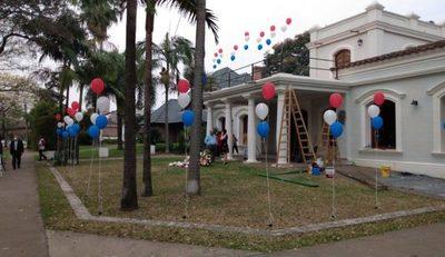 Consulado paraguayo en Resistencia recibe ofrendas florales