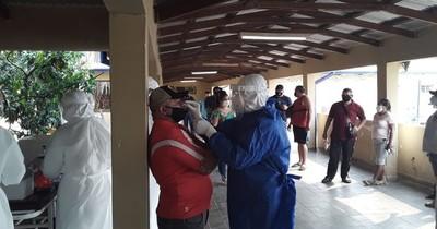 La Nación / Entre reos y guardias se toman 200 muestras de COVID-19 en penal de Concepción