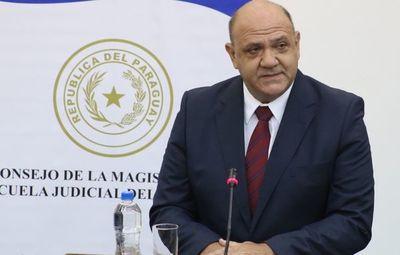 Jurista confirma que Gobierno le consultó criterio sobre exigencia de liberación de líderes criminales
