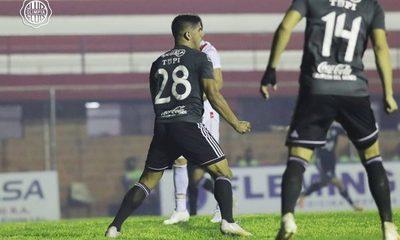 El Decano golea en Los Jardines y ya piensa en la Libertadores