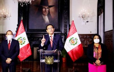 "Crisis en Perú: presidente denuncia ""golpe de Estado"""