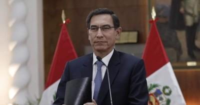 """La Nación / El presidente de Perú enfrentará un juicio de destitución por """"incapacidad moral"""""""
