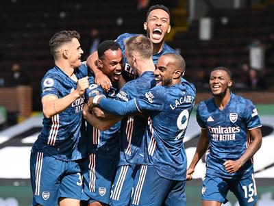 Arsenal golea a Fulham en el arranque de la Premier League