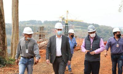 Verifican obras del Puente de la Integración que presenta sostenido avance