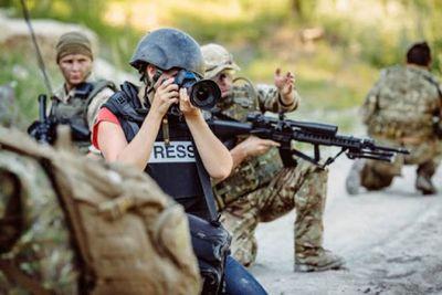 Periodista, una profesión de riesgo: violencia y paro