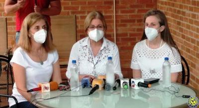 Hijas de Oscar Denis piden prueba de vida y entregan víveres •