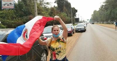 La Nación / Caso Friedmann: Concurrida caravana contra la impunidad en Villarrica