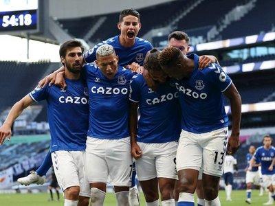 El Everton de James sorprende a Mourinho