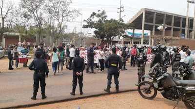 Grupos a favor y encontrar de Rodolfo se manifestaron este domingo – Prensa 5