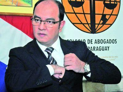 """""""El JEM pende sobre la cabeza de magistrados y fiscales como garrote"""""""