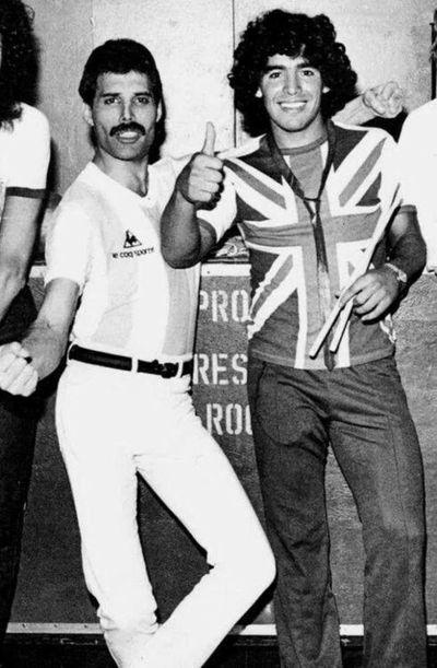 Casi 30 años guardada: la historia de cuando Freddie Mercury conoció a Maradona