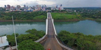 Brasil condiciona y Puente de la Amistad seguirá CERRADO