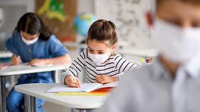 La OMS alerta sobre un próximo recrudecimiento de la pandemia en Europa, mientras Italia reabre las escuelas