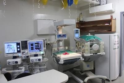 Saturación del sistema obligó a primer traslado de un paciente con COVID-19 al sector privado