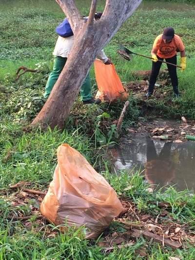 Inadaptados llenan de basura el Lago de la República