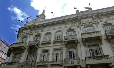 Ministerio de Hacienda transfirió Gs 1,3 billones a Municipios y Gobernaciones
