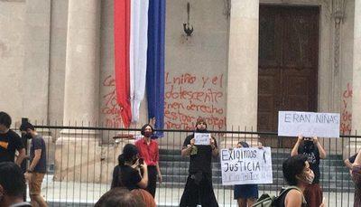 Piden captura internacional para yiyis que armaron sarambi en el Panteón de los Héroes