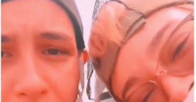 La Nación / [Video] Orden de captura internacional para mujeres que vandalizaron Panteón