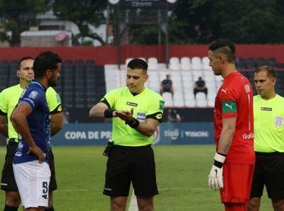 Cambio en la nominación de árbitros para el juego Cerro-Nacional