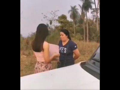 Joven sorprendió a su mamá con un terreno por su cumpleaños